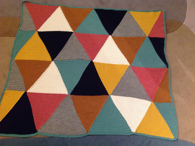 Finished_Triangle_Crochet_Baby_Blanket